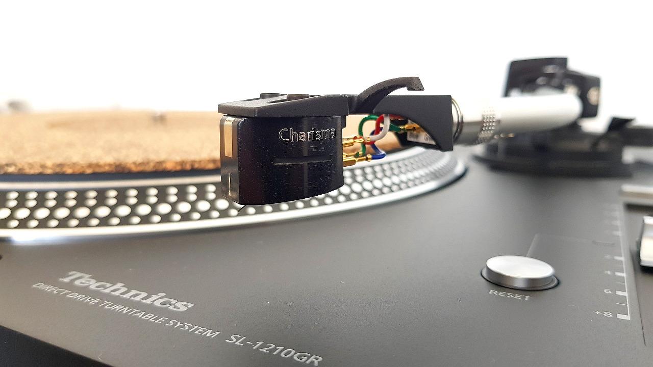 Clearaudio Charisma MM Tonabnehmer am Technics SL-1210GR Plattenspieler